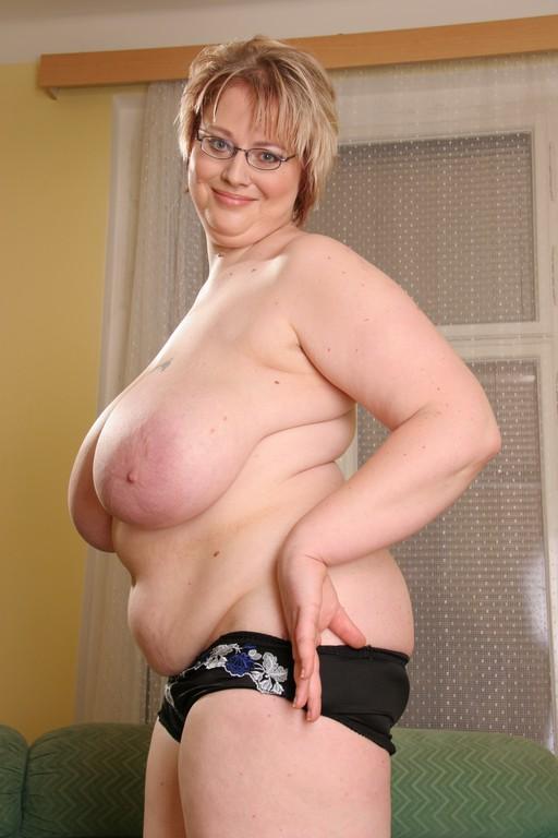 chubby chicks giant boobies