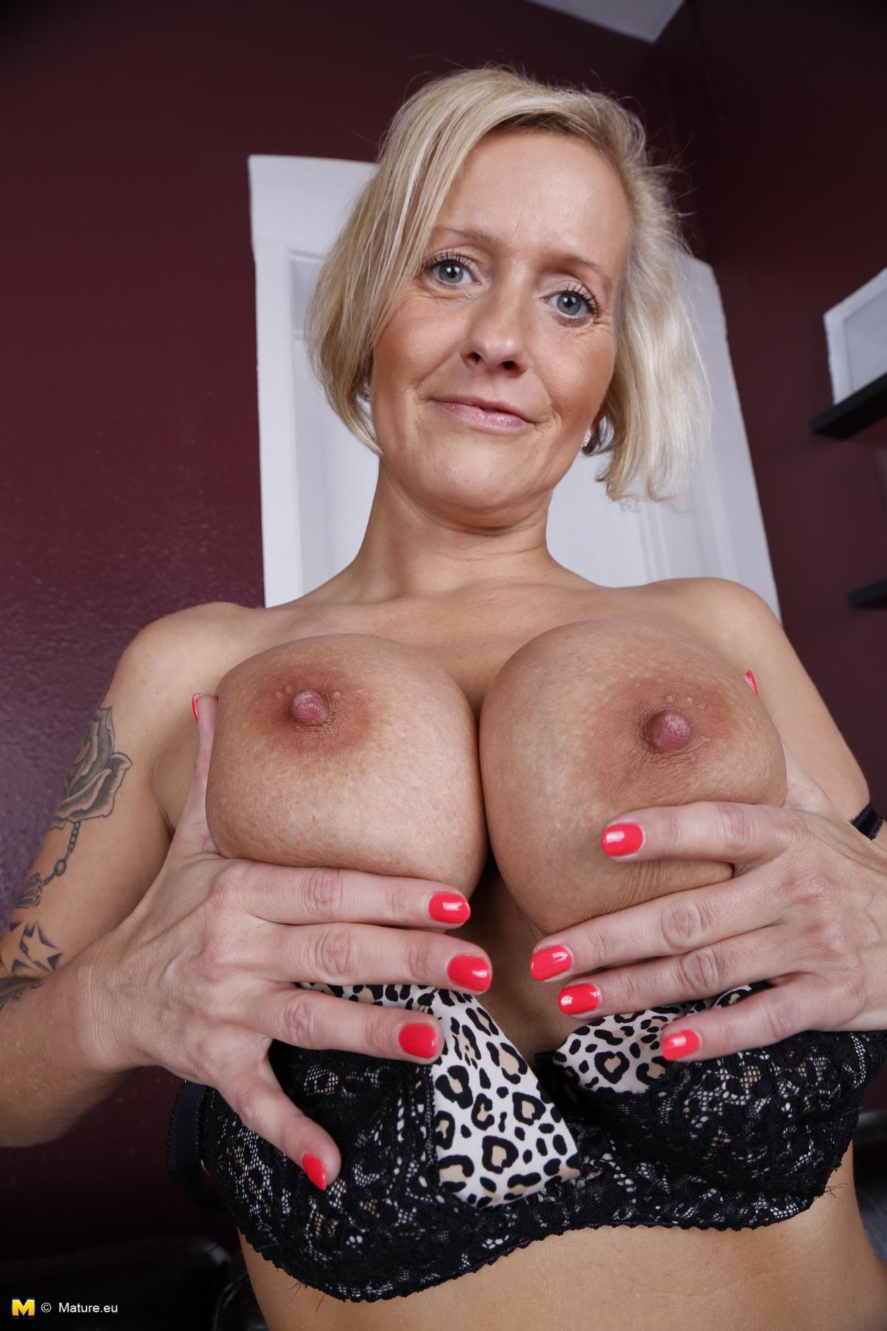 Housewife sexy tits german big