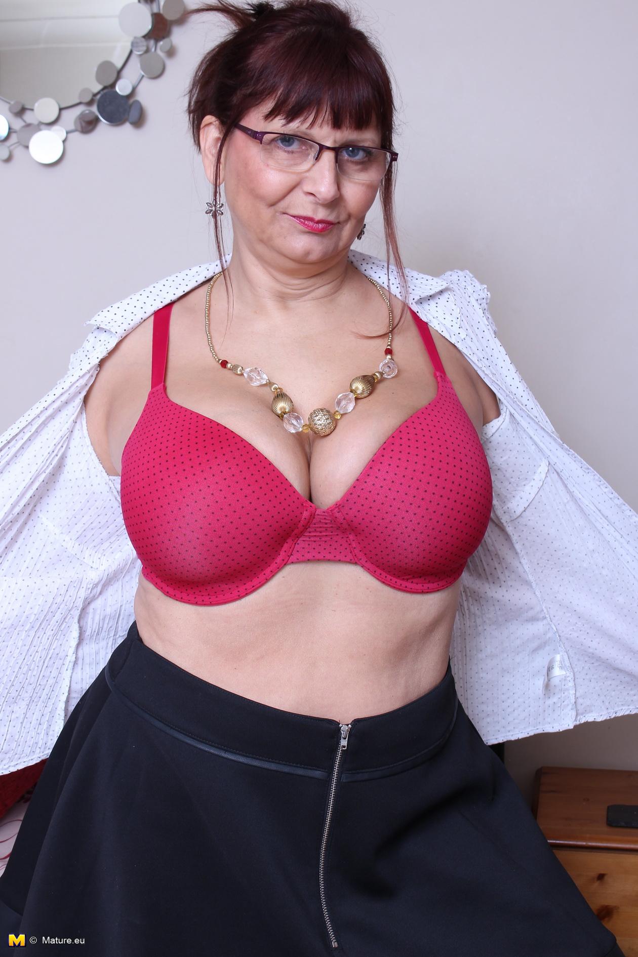 Curvy Mature Big Tits - British Mature Curvy Big Tits - Free Sex Images, Hot Porn Pics and Best XXX  Photos on www.carbonporn.com