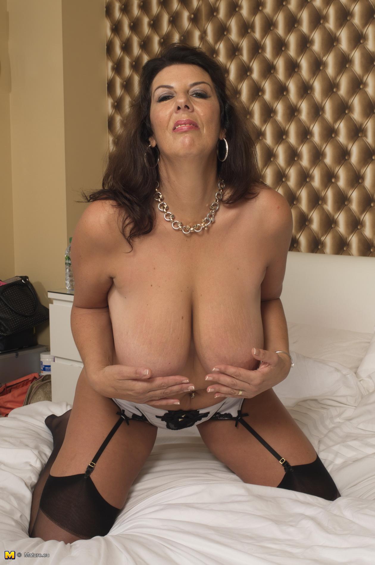 Mature big titted girls