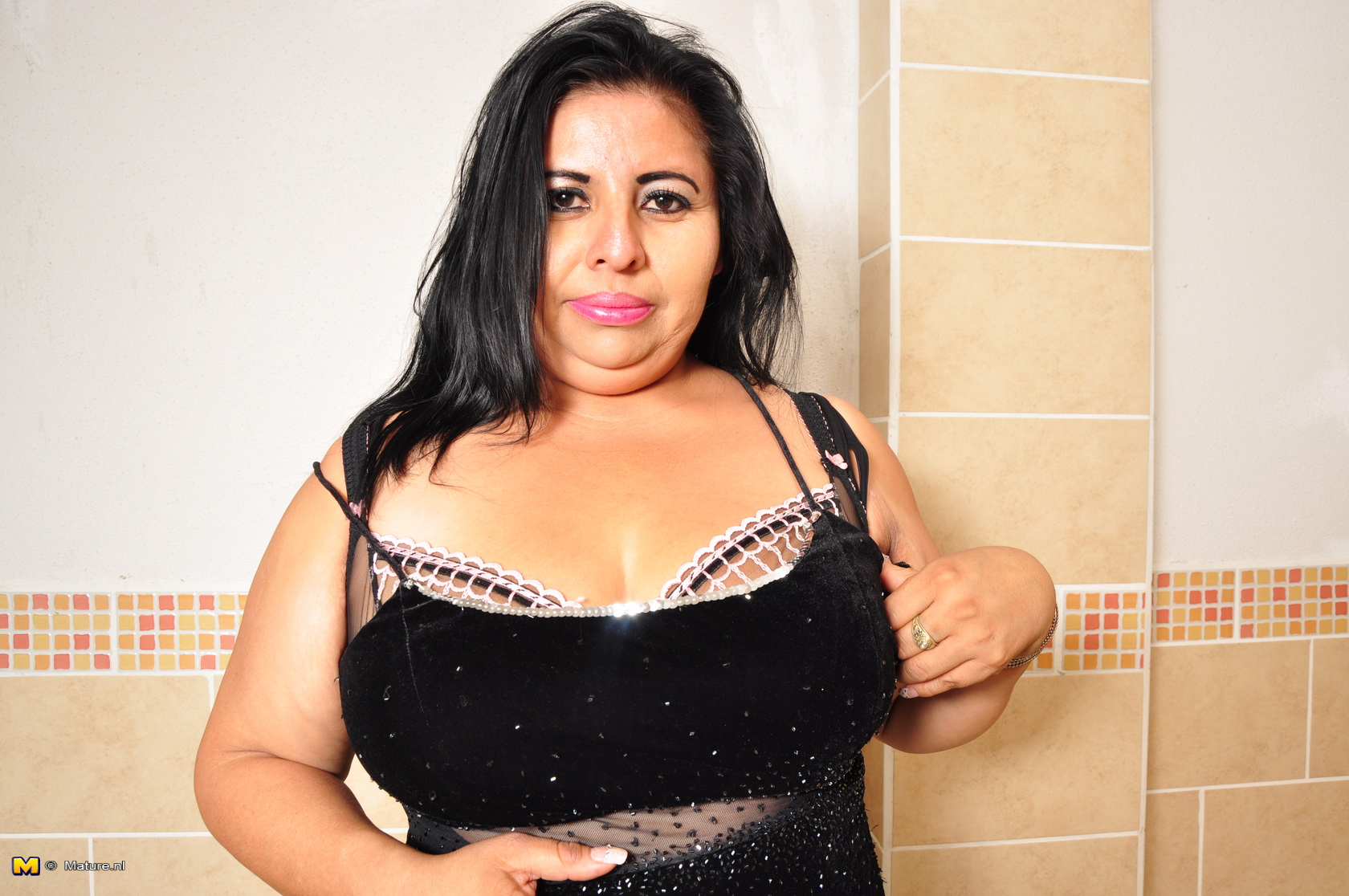 Nude pics of latina big mamas, black tean pussy