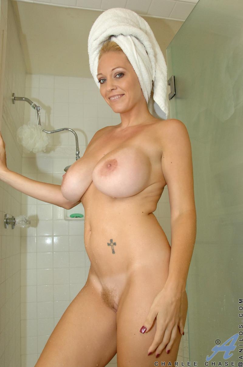 Gallery boobs shower
