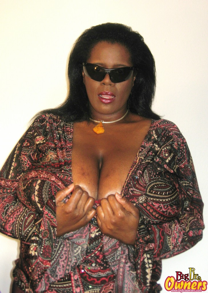 Big black tits gallery