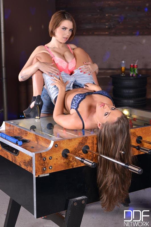 Lesbian Bondage Big Tits