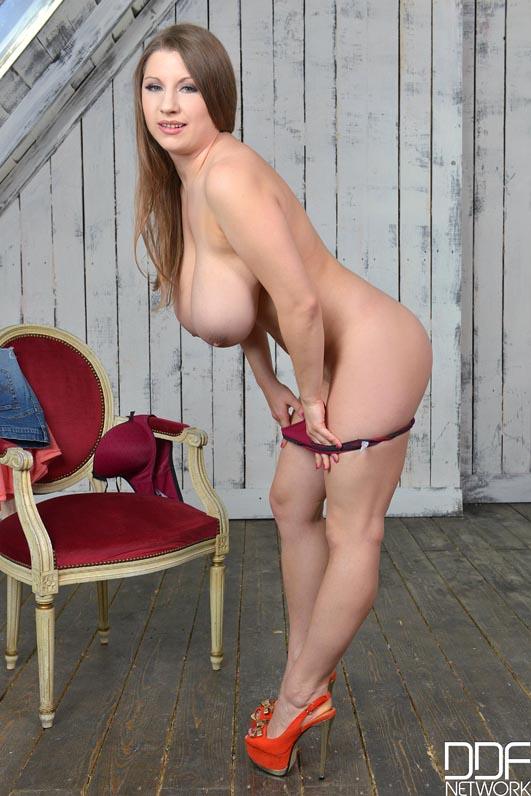 Big Tits Blonde Natural