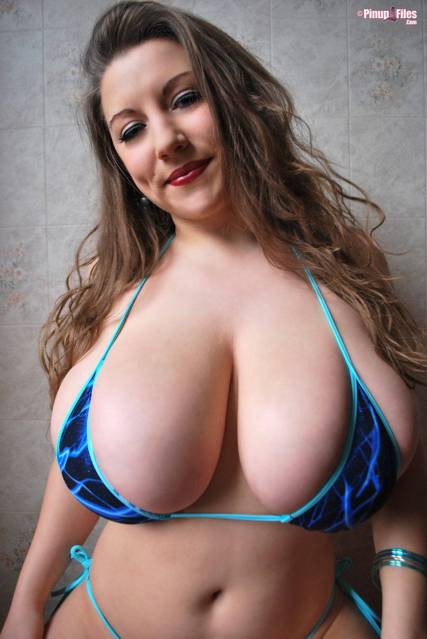 Huge Tits In Tiny Tops