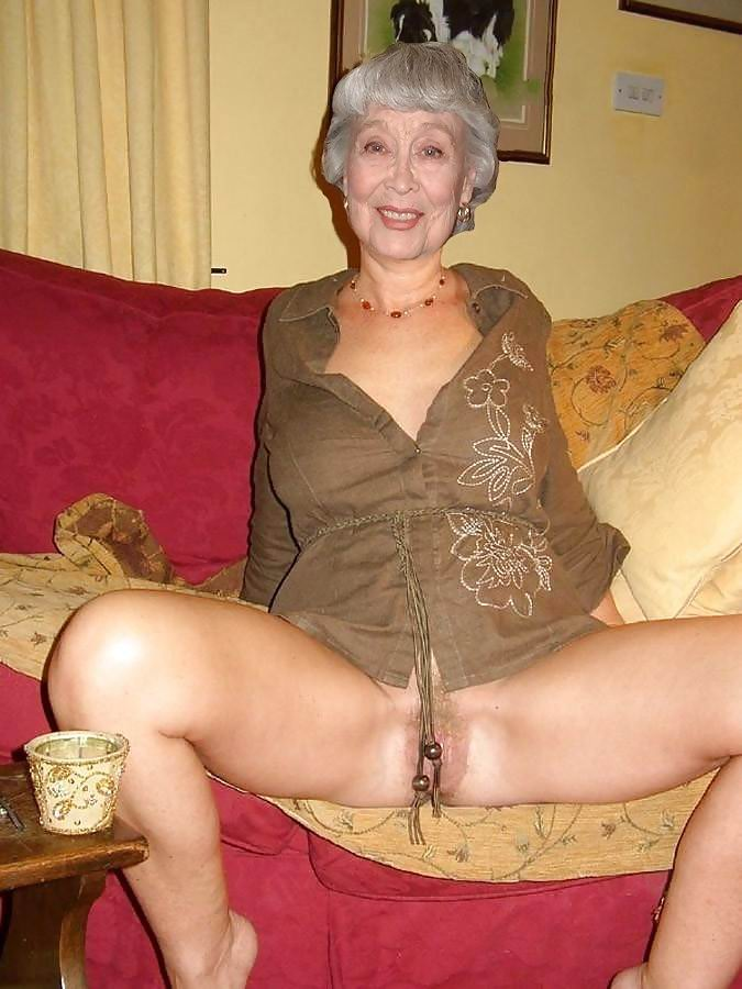 Hot old granny pussy